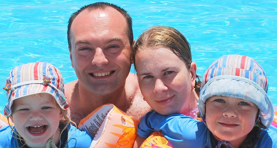 Rodinné foto v bazénu
